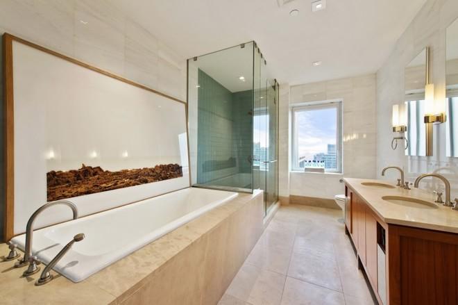 卫生间空间较大,干湿分离设计整个空间干净舒爽