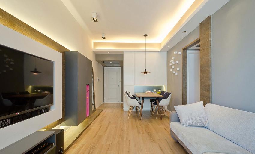 餐厅和客厅在开放式格局下,用门洞划分。