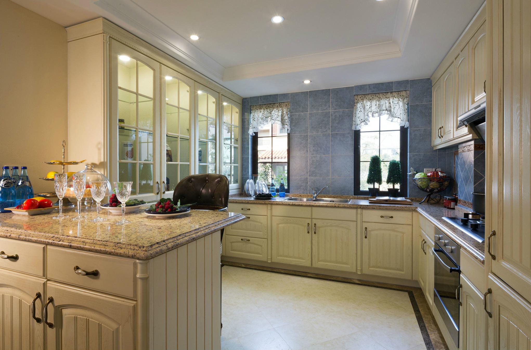 厨房的绿色基调延伸着空间简洁舒适的主旋律,浓情绿中多了份一个活跃的音符