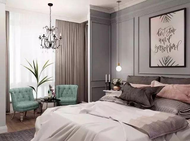 主卧墙体刻意隔出小片的空间,更显私密与独立,在精致优雅的空间中,绿植成为了卧室活力与生机的来源。