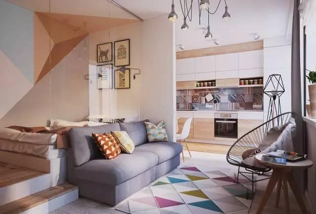 木饰面铺设的卧房墙面与地板的材质相同 ,四幅有趣的装饰画 不同的尺寸,组合成一个方形的画面。