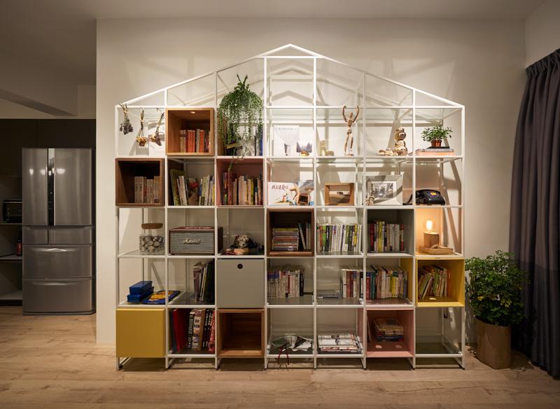 简单的格子柜,有着充足的收纳空间,既好看又实用