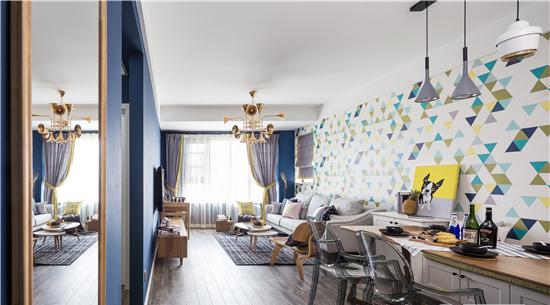 深海蓝和明黄让本来乏味单调的纵向形的客餐厅空间,变得动感十足。
