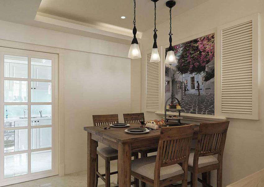 造型木百叶窗中间屋主环游世界的风景记忆,可随时变换用餐时的异国情调。