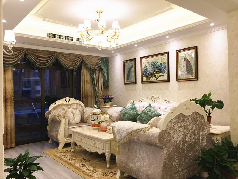 柔和舒畅的线条,清新的色块和欧式风情的家具搭配,成为时下的潮流趋势。