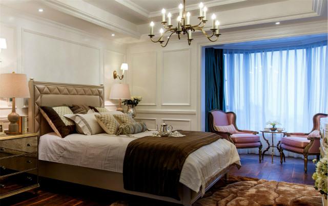 卧室也有 阳台,设计成休闲区,光线充足,可以眺望远景,可以悠闲品茶,尽情感受自然的美。