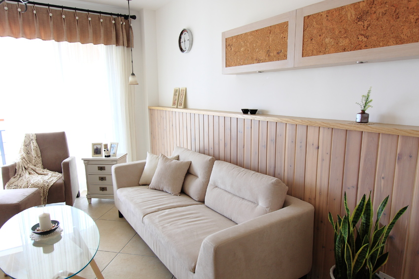 客厅设计,颜色搭配非常柔和,营造了自然气息。