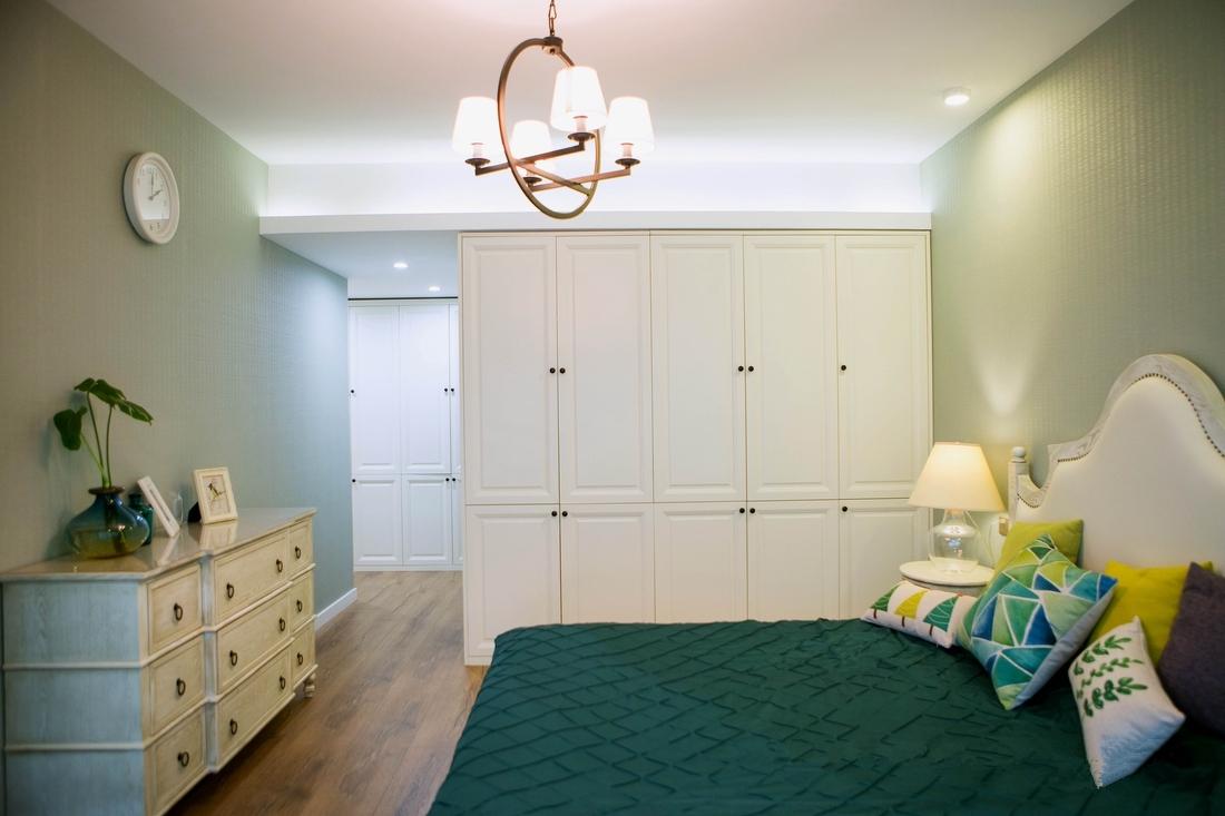 静谧,清新的主卧室,家具材质,色彩,尺寸全部量身定制。