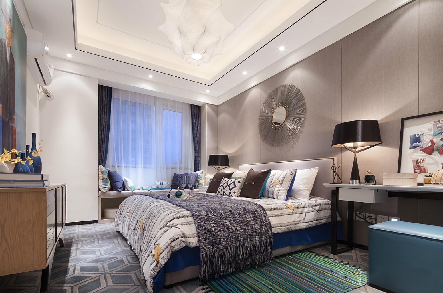 主卧色度相比客厅还深了几个色号,营造略显昏暗但好眠的场景,让夜晚更好入眠。