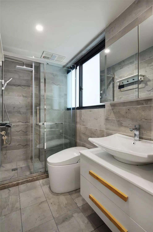 卫生间干湿分离设计,功能划分明确。