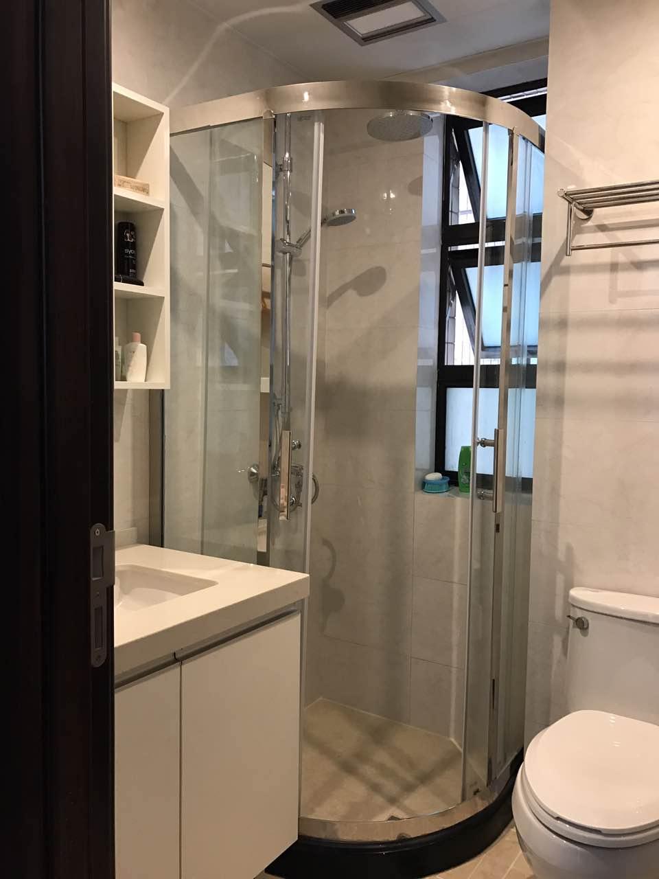 除了选用爱空间标配的卫生间外,业主自己定制了淋浴房,进行了干湿分离并且美观。