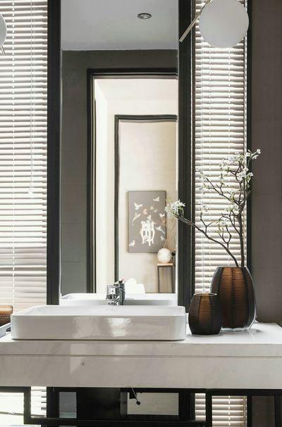 卫生间除了干净之外,一折美花更增添积分文人的气质。