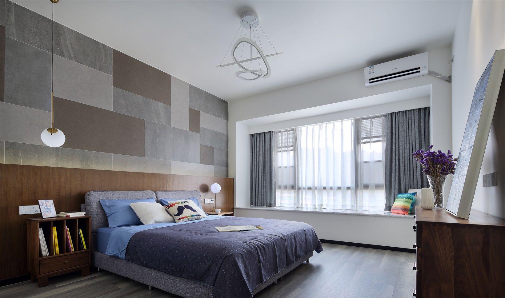卧室内木色为主色调,简单又温馨