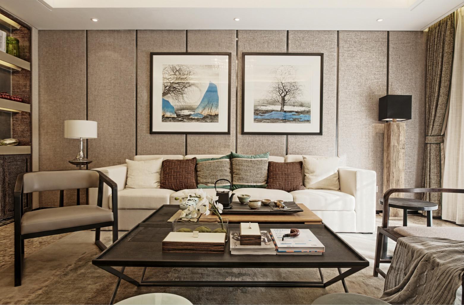 整体客厅空间十分敞亮,除了基本的沙发、茶几等客厅家具,业主没再放其他家具