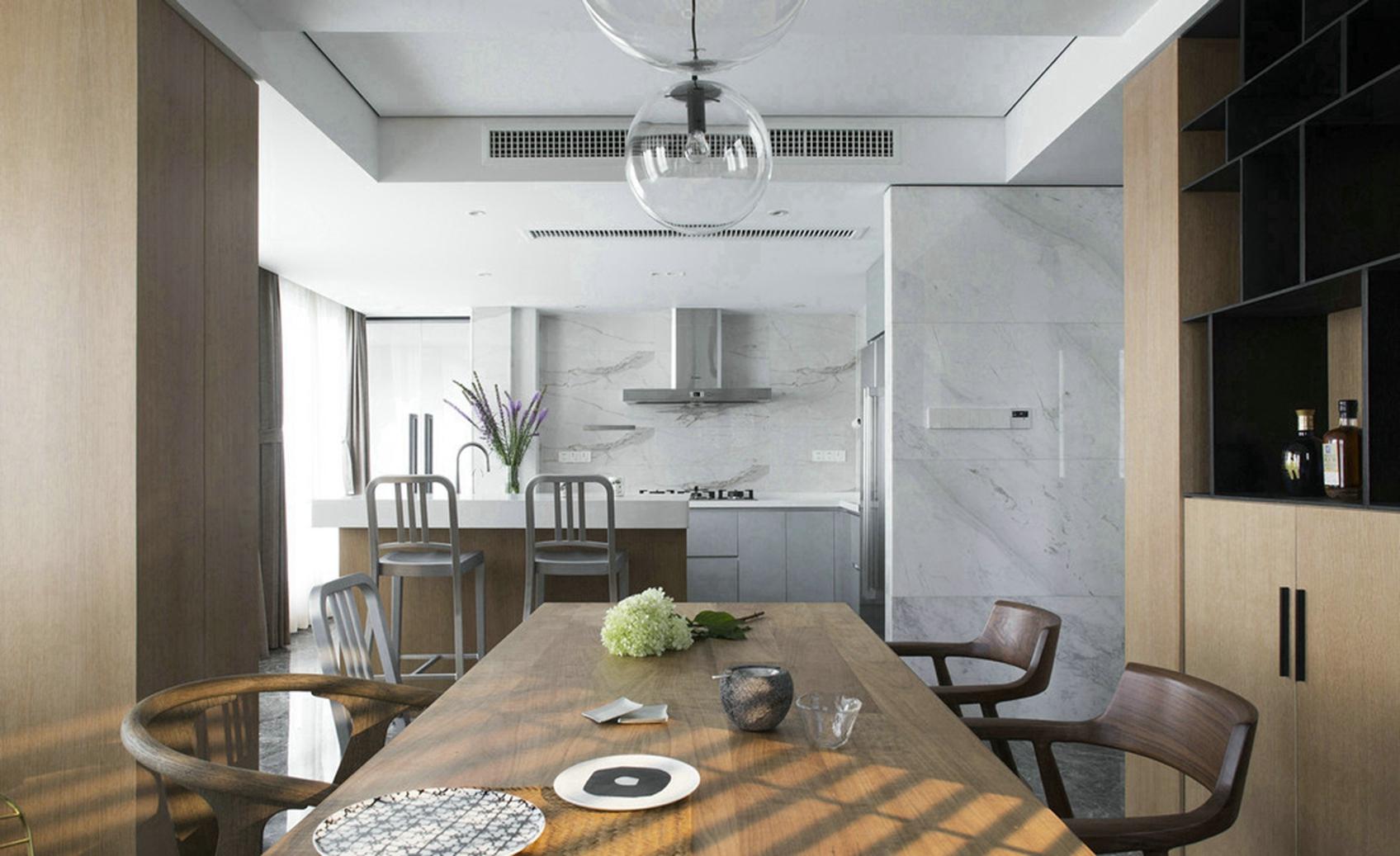 客厅和餐厅是开放式整个空间简约干净