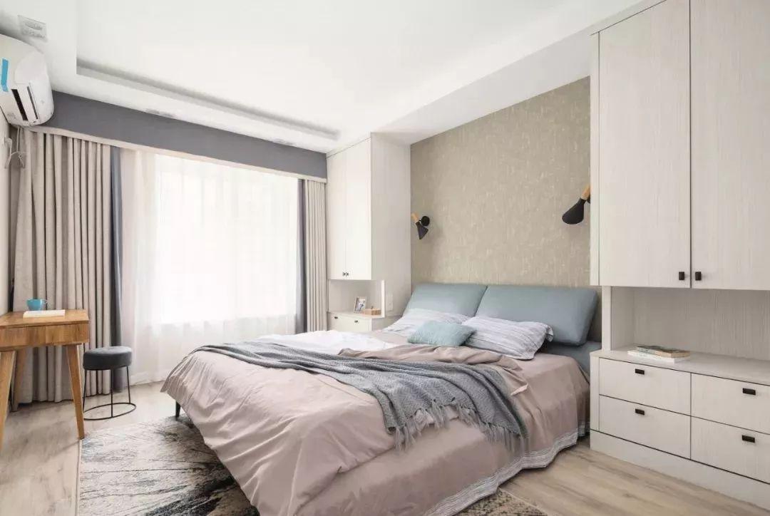 将收纳柜体完美的分配在空间里,不显杂乱,适切的收纳方式,更贴近屋主需求。
