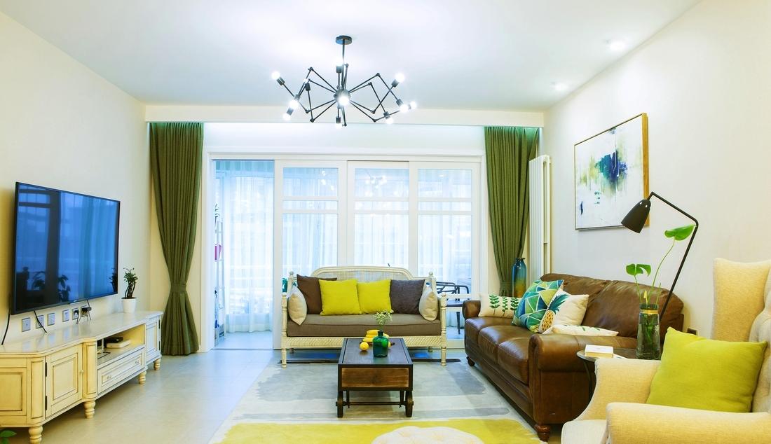 各种色调完美的融合在一个空间,营造出一种愉悦欢快的气氛。