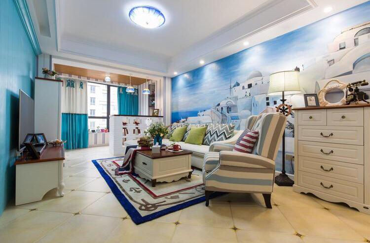 客厅整体以暖色为主,蓝色的神似海洋,整体温馨干净简洁