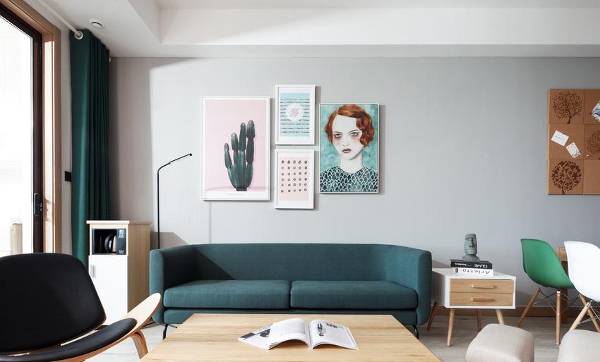 墨绿色与木质结合,营造清新温润的居家氛围,生活的物件不需要太多,每一件都在刚刚好的位置。