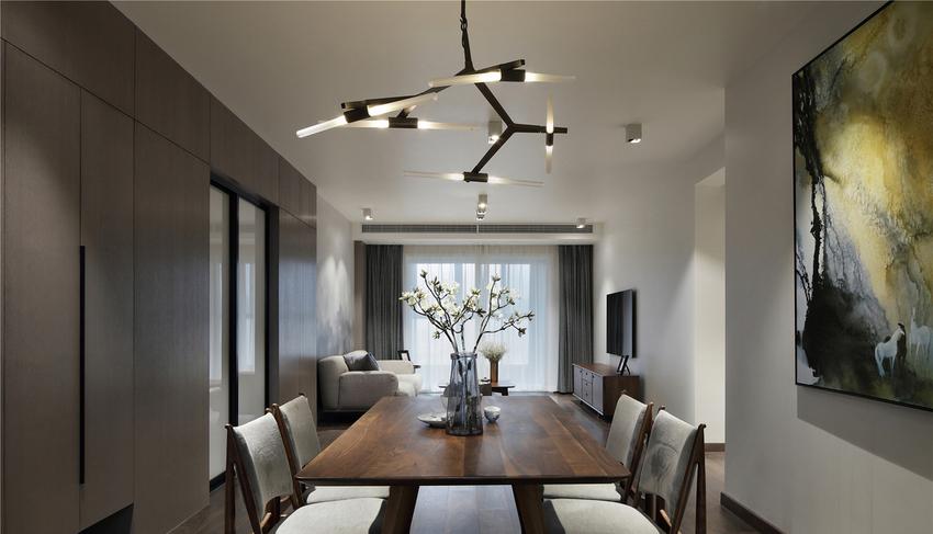 厨房、餐厅、客厅在一条线上,动线很流畅且增加了整个采光和通风。