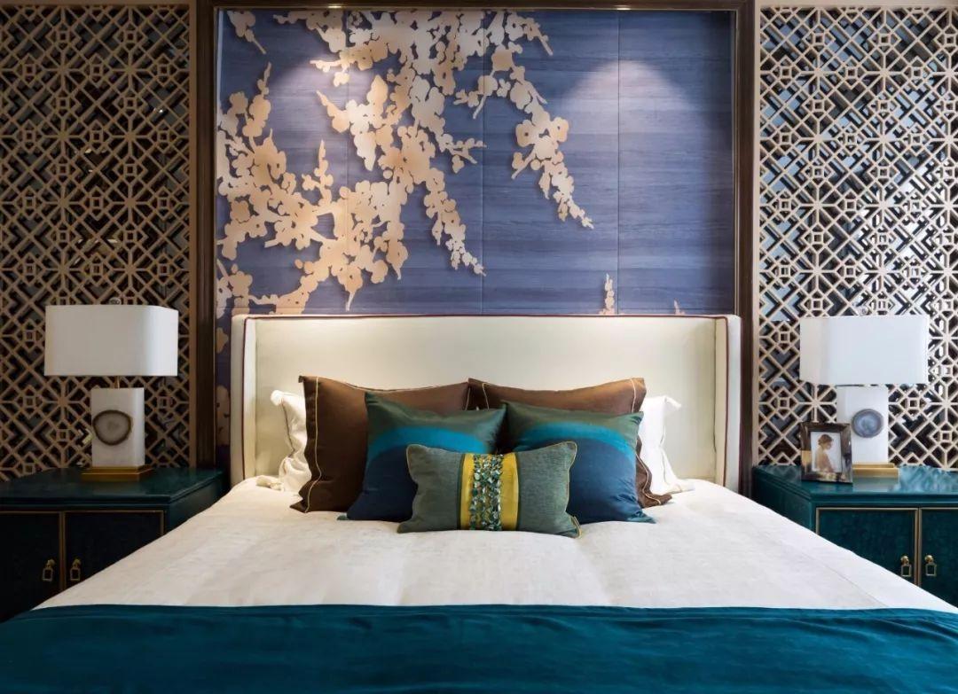 空间展现静、雅、秀、逸的和谐韵味,以白色及蓝色为基调,节制而内敛。