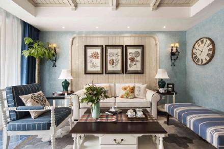客厅采用柔和的纯美颜色,地面瓷砖采用深蓝色海洋的色彩,棕色、白色以及灰色相间的地毯是海洋中礁石的颜色