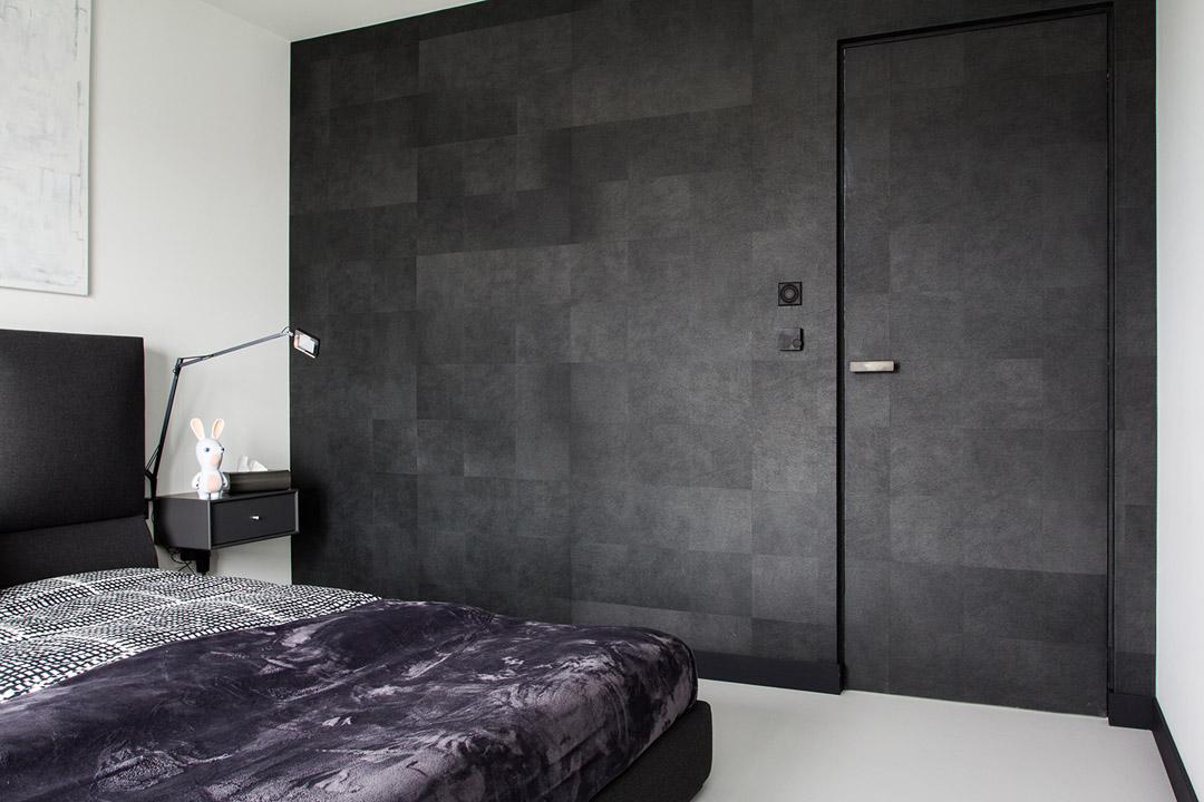 用深色的墙面,划分区域,也让人感到沉静保证私密性。