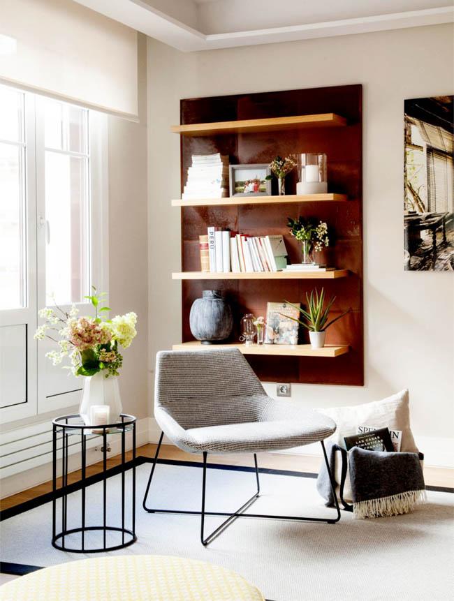 可以省下不少空间。在客厅中划一份宁静作为书房,很符合现代女性在热闹的一角,留出思考的空间。