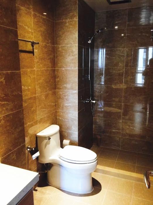 卫生间干湿分离设计保证了干净整洁感。