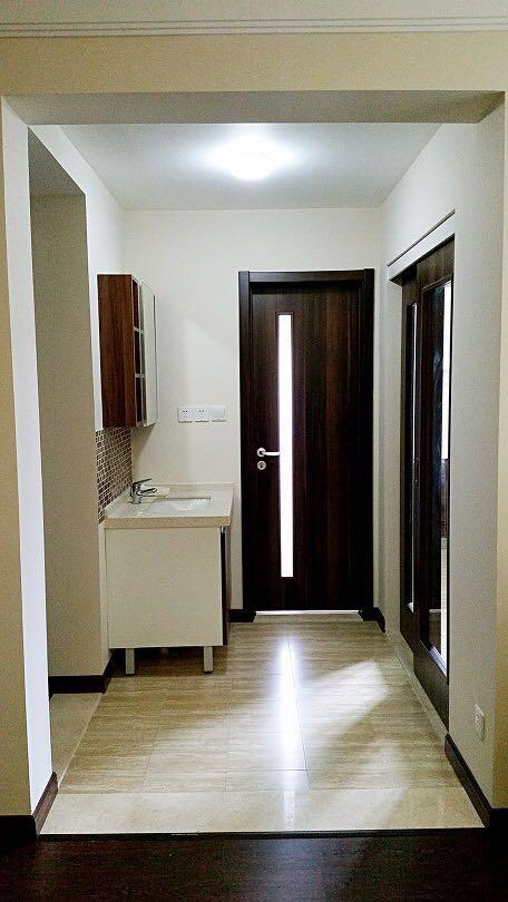 卫生间和厨房门的选择也很有想法,为增加整个家的通透感。