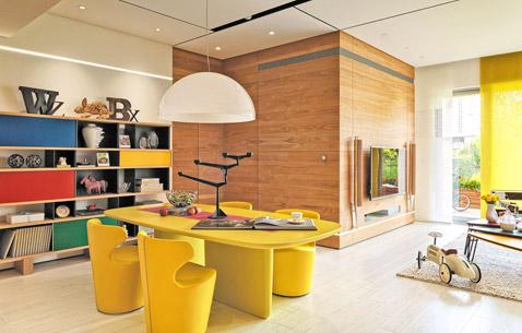 设计师尽量保留了原生态的材质,不管是手工的痕迹还是木头的质感。