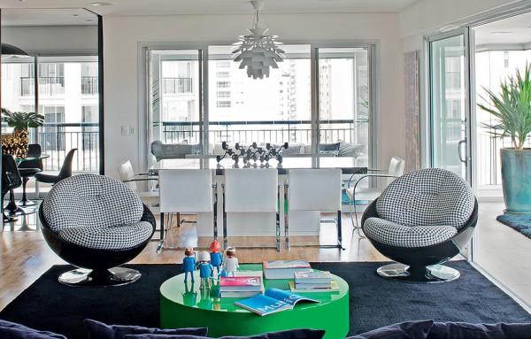 用色彩贯穿环境,用有趣的材质包裹空间,将复古与现代家具相结合,整个家盛着设计的梦想也装着生活的灵感。