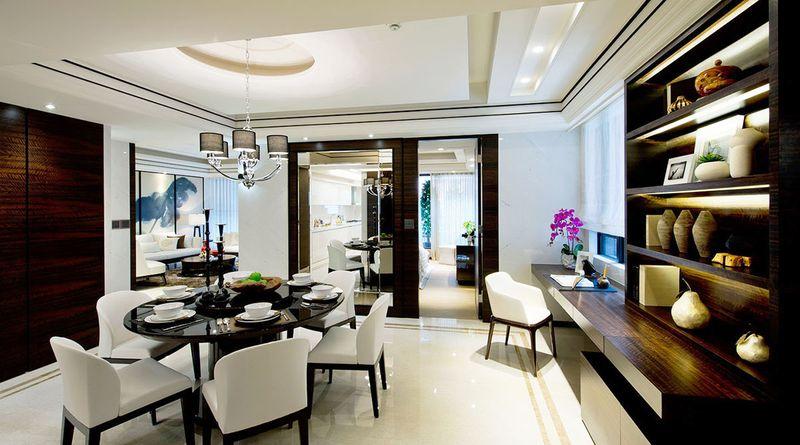 利用宽敞的空间在餐厅窗边僻出书房,布局巧思。