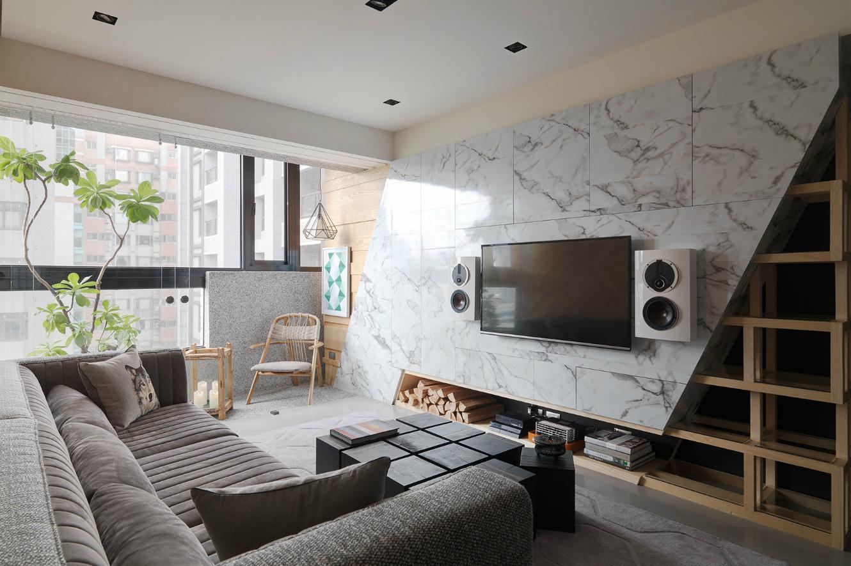 客厅在家庭空间中的占地面积是最大的,也是家庭居住的核心区域,是最能体现装修风格的区域