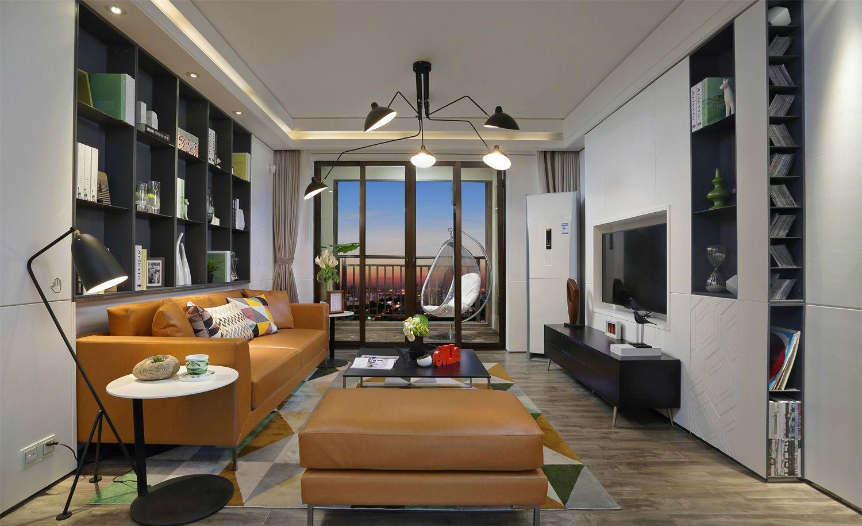 客厅是家人休闲、亲朋好友相聚的场所,客厅的阳台成了最吸引人们眼球的地方。