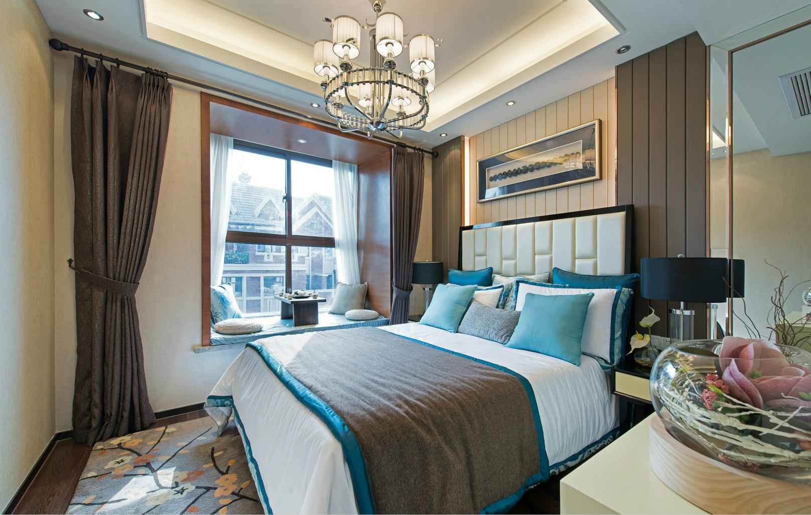 次卧向着阳光的卧室自带温暖属性,简洁又美好。