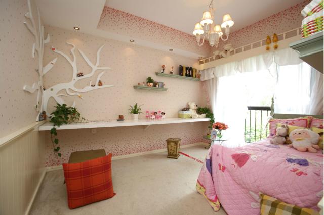 整个儿童房打造成了粉色乐园,这样的公主房简直美得不像话。