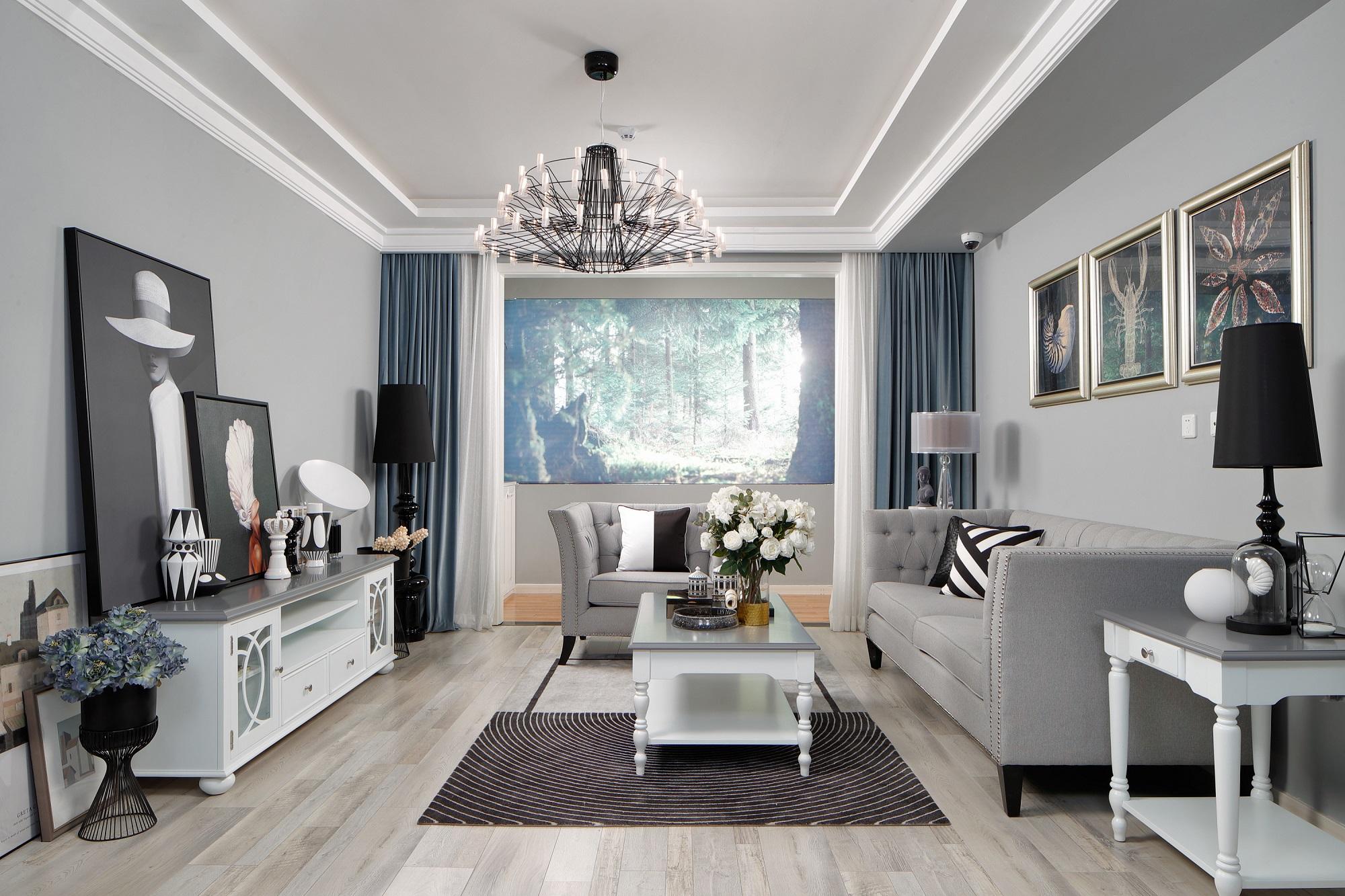 整个客厅大气整洁,设计错落有致,很温聲,很精致。