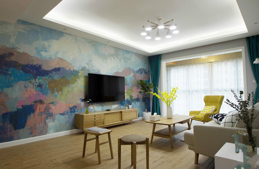 客厅整体空间设计色调以浅色为主,不夸张、不花哨,营造出舒适的就餐与休息环境。