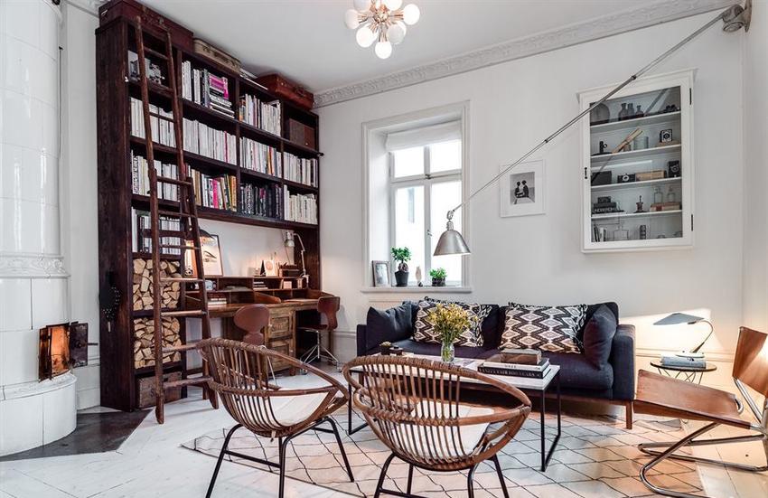 书房、储藏室、壁炉、展示柜和客厅集于这几平米内,竟然毫无拥挤感。
