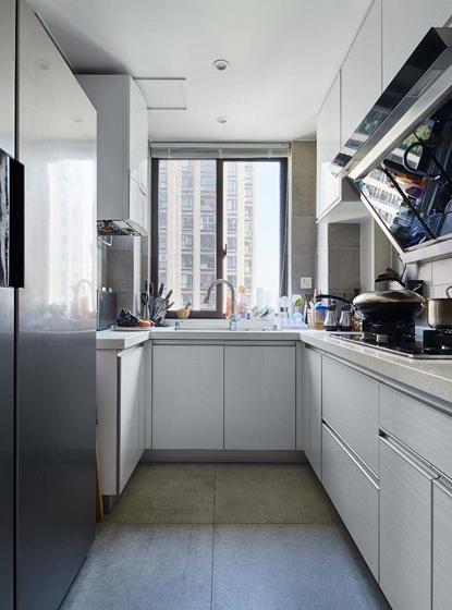 简单、直接功能至上作为北欧风的特点,在厨房得到完美的还原。