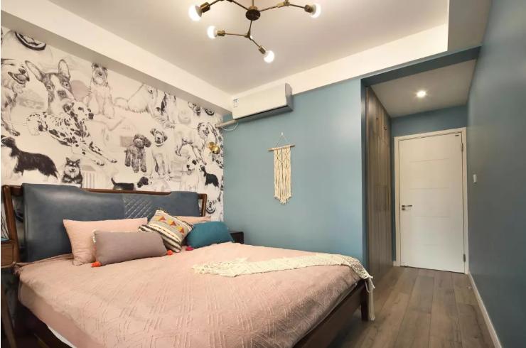 卧室窗帘的搭配让整个空间有了不一样的情怀,给睡眠带来不一样的品质。