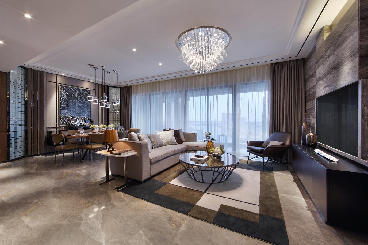 客厅和餐厅是一体式,显得整体空间很是空旷,典雅