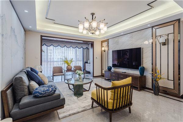 客厅现代感的线条让空间更为利落,借用金属线条来勾勒出中式气韵,并因为灯带和吊灯辉煌光彩;