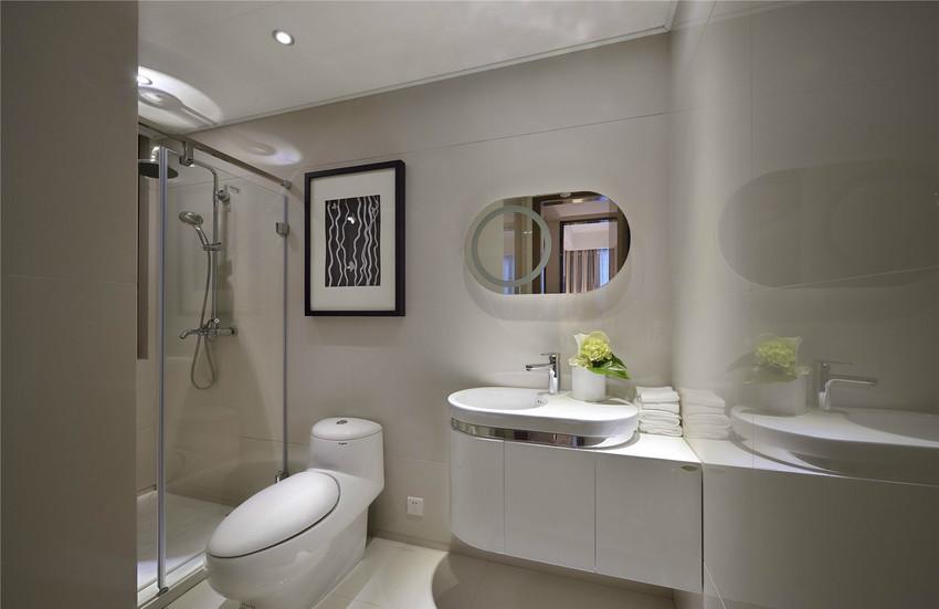 纯白的卫生间设计典雅大方,主人不俗的品味也体现其中。