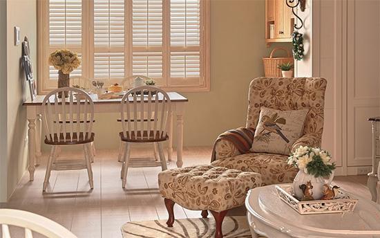 良好的环境条件与格局,让屋中随处都能享有敞亮日光。