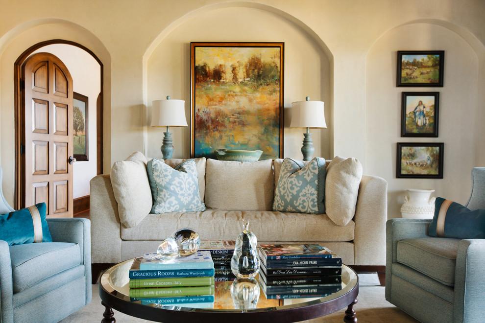 业主比较喜欢蓝色。那么在家具设计中,包括软装配饰,都可以用蓝色来搭配。