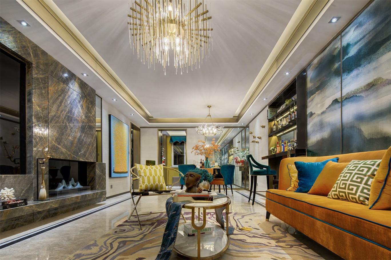 客厅与餐厅相连,延伸感十足,金橘色调融合使用则中华文化的底蕴。