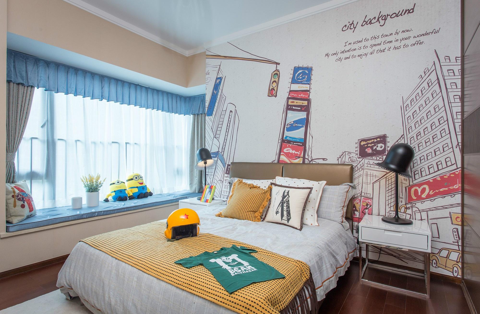 次卧设计为儿童房,蓝色与黄色的软装搭配让居室理性又活泼。