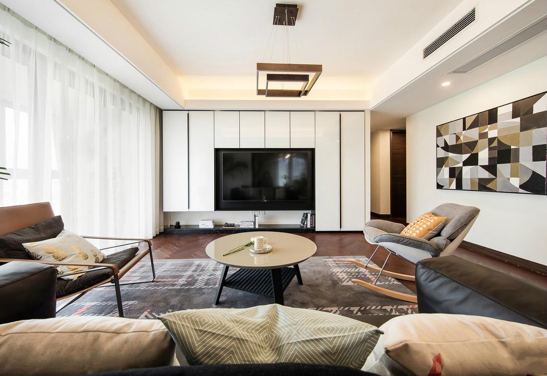 造型简约的吊灯放置客厅,又为整个空间增添了几分个性之美。